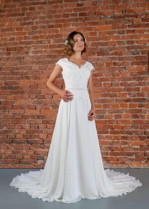 Hochzeitsmode In Berlin Fuchs 2020 Ivory Brautkleid D 03321 1 Bei Avorio Vestito BrideStore And More Hochzeitsmode In Berlin Eiche