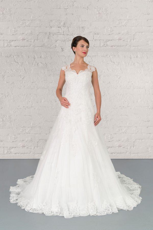 Hochzeitsmode In Berlin Fuchs 2020 Ivory Brautkleid D 03324 1 Bei Avorio Vestito BrideStore And More Hochzeitsmode In Berlin Eiche
