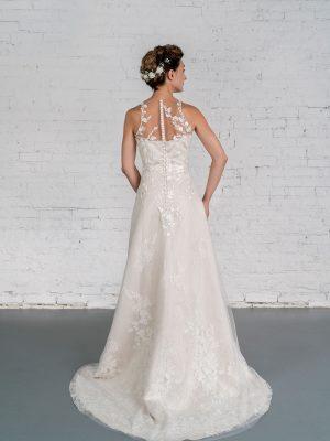 Hochzeitsmode In Berlin Fuchs 2020 Ivory Brautkleid D 03328 2 Bei Avorio Vestito BrideStore And More Hochzeitsmode In Berlin Eiche