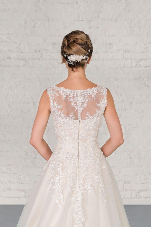Hochzeitsmode In Berlin Fuchs 2020 Ivory Brautkleid D 03329 2 Bei Avorio Vestito BrideStore And More Hochzeitsmode In Berlin Eiche