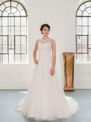 Hochzeitsmode In Berlin Fuchs 2020 Ivory Brautkleid D 03331 1 Bei Avorio Vestito BrideStore And More Hochzeitsmode In Berlin Eiche