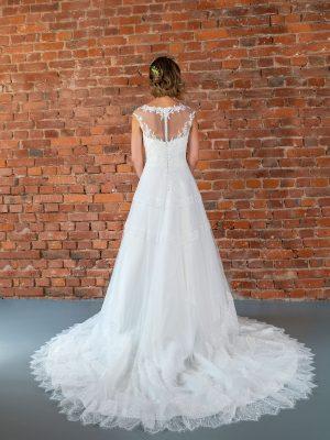 Hochzeitsmode in Berlin Fuchs 2020 ivory Brautkleid D 03344 2 bei Avorio Vestito BrideStore and more Hochzeitsmode in Berlin Eiche