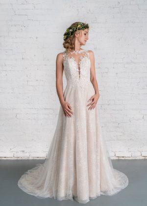 Hochzeitsmode in Berlin Fuchs 2020 ivory Brautkleid R 01187 1 bei Avorio Vestito BrideStore and more Hochzeitsmode in Berlin Eiche