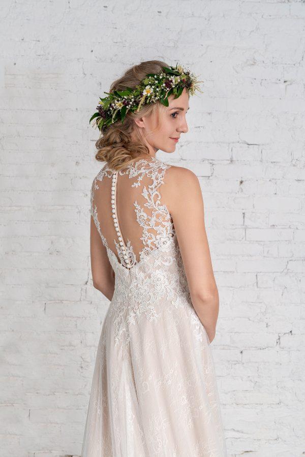 Hochzeitsmode in Berlin Fuchs 2020 ivory Brautkleid R 01187 3 bei Avorio Vestito BrideStore and more Hochzeitsmode in Berlin Eiche