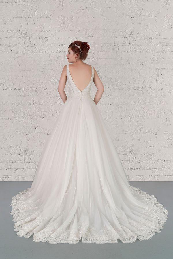 Hochzeitsmode in Berlin Fuchs 2020 ivory Brautkleid R 01189 2 bei Avorio Vestito BrideStore and more Hochzeitsmode in Berlin Eiche