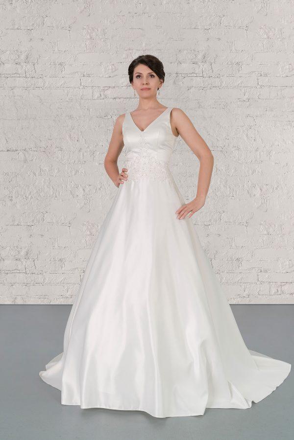 Hochzeitsmode in Berlin Fuchs 2020 ivory Brautkleid R 01195 1 bei Avorio Vestito BrideStore and more Hochzeitsmode in Berlin Eiche