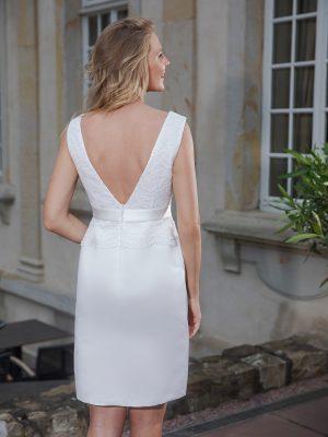 Kurzes knielanges Standesamtkleid ivory Kollektion 2020 A7211 2 bei Avorio Vestito Brautmode in Berlin
