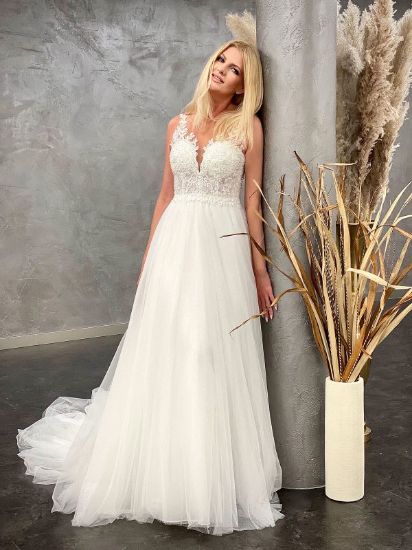 Amera Vera 2021 Brautkleid B2103 4 bei Avorio Vestito BrideStore and more Brautmode in Berlin