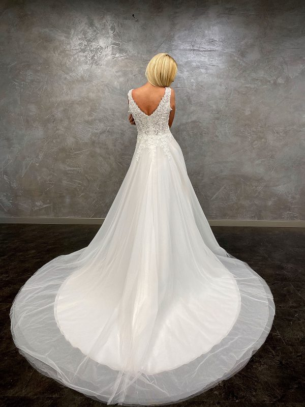 Amera Vera 2021 Brautkleid B2110 7 bei Avorio Vestito BrideStore and more Brautmode in Berlin
