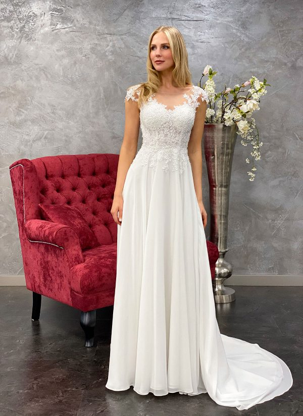 Amera Vera 2021 Brautkleid B2114 2 bei Avorio Vestito BrideStore and more Brautmode in Berlin