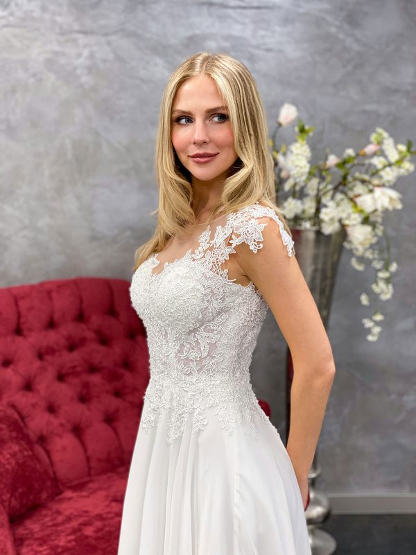 Amera Vera 2021 Brautkleid B2114 3 bei Avorio Vestito BrideStore and more Brautmode in Berlin