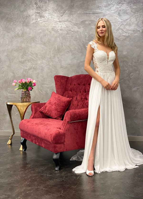 Amera Vera 2021 Brautkleid B2118 2 bei Avorio Vestito BrideStore and more Brautmode in Berlin
