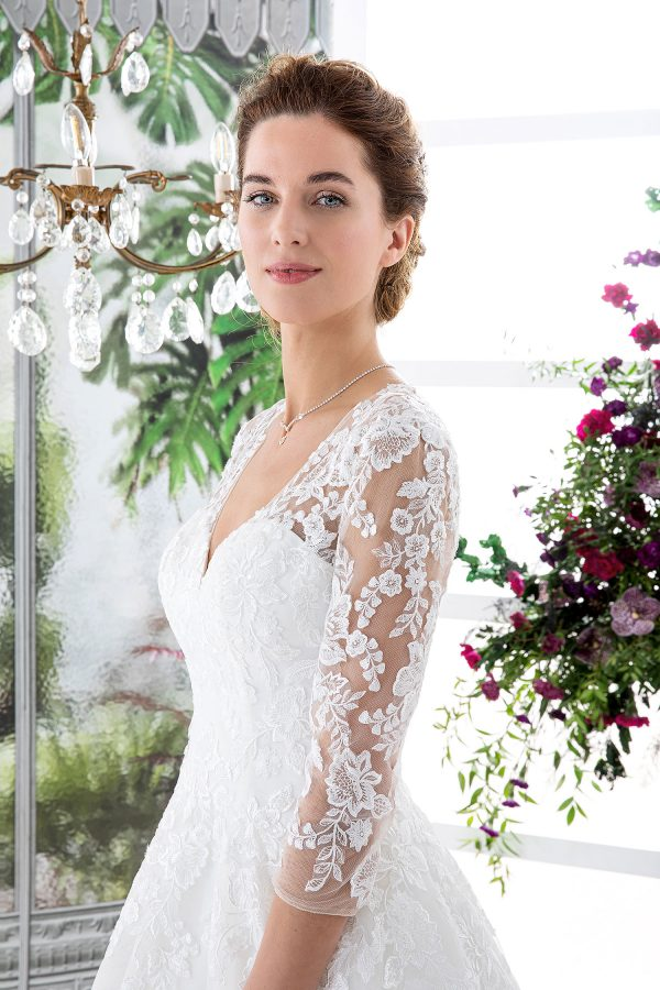 EGLANTINE CREATIONS 2021 Brautkleid EGC21 VAGABONDE 2859 Brautmode in Berlin Avorio Vestito BrideStore and more