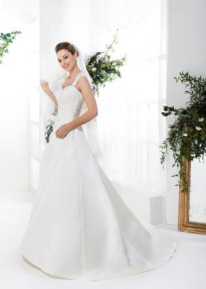 EGLANTINE CREATIONS 2021 Brautkleid EGC21 VARENNE 1739 Brautmode in Berlin Avorio Vestito BrideStore and more
