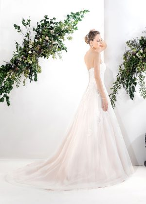 EGLANTINE CREATIONS 2021 Brautkleid EGC21 VAYANA 1123 Brautmode in Berlin Avorio Vestito BrideStore and more