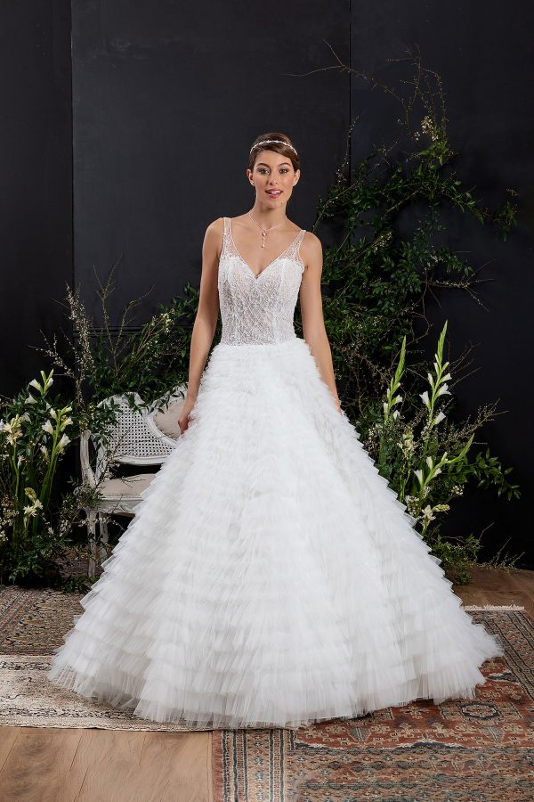 EGLANTINE CREATIONS 2021 Brautkleid EGC21 VELOUR 0694 Brautmode in Berlin Avorio Vestito BrideStore and more