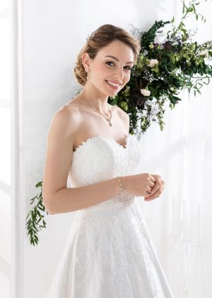 EGLANTINE CREATIONS 2021 Brautkleid EGC21 VERLAINE 2400 Brautmode in Berlin Avorio Vestito BrideStore and more