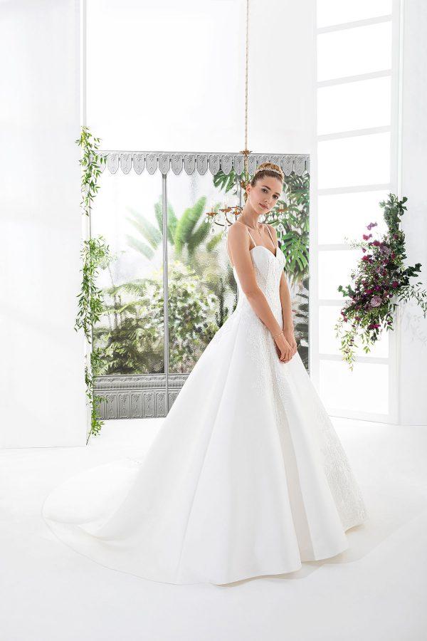 EGLANTINE CREATIONS 2021 Brautkleid EGC21 VOLGA 3732 Brautmode in Berlin Avorio Vestito BrideStore and more