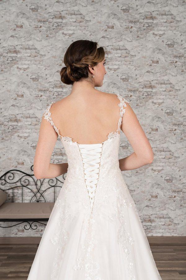 Fuchs Moden 2021 Brautkleid D 03371 (3) Brautmode in Berlin Avorio Vestito BrideStore and more
