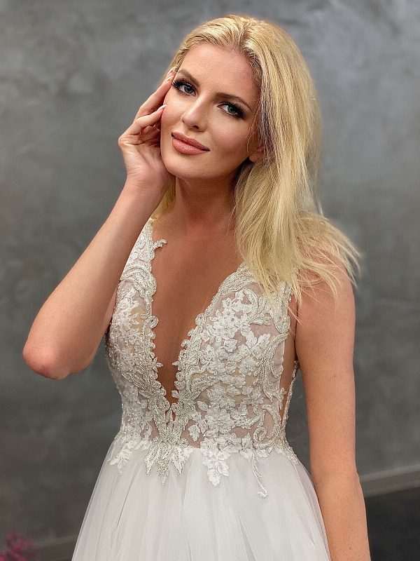 Miss Germany 2021 Brautkleid MGB48 4 Avorio Vestito BrideStore and more Brautmode in Berlin