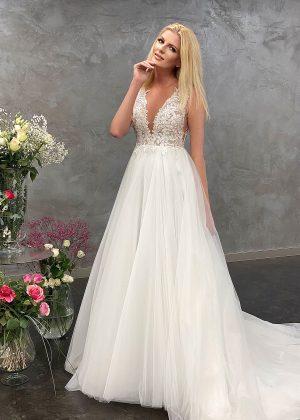 Miss Germany 2021 Brautkleid MGB48 9 Avorio Vestito BrideStore and more Brautmode in Berlin