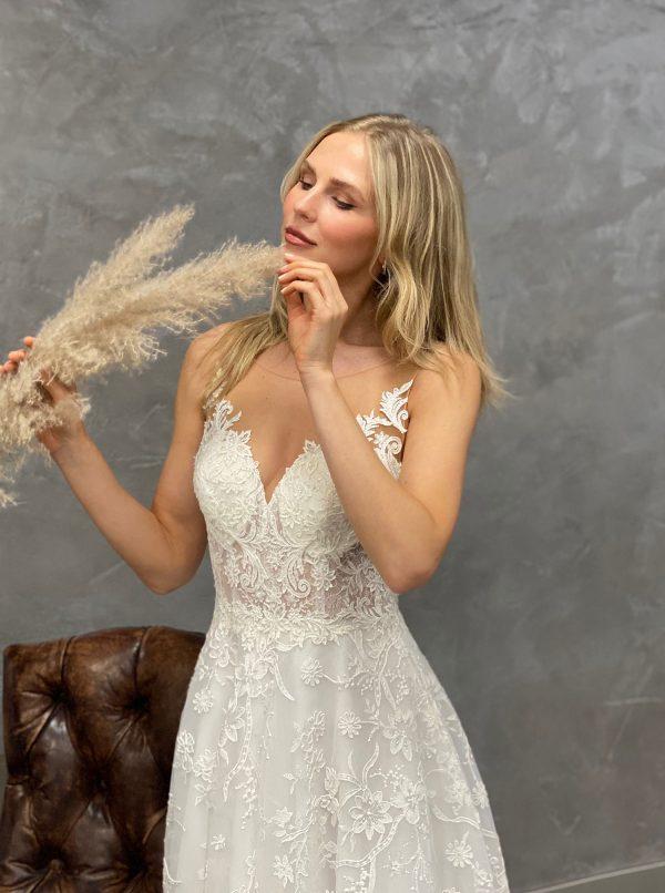 Miss Germany 2021 Brautkleid MGB66 1 Avorio Vestito BrideStore and more Brautmode in Berlin