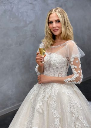 Miss Germany 2021 Brautkleid MGB67 4 Avorio Vestito BrideStore and more Brautmode in Berlin