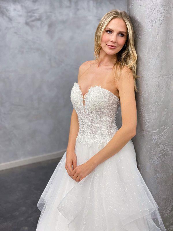 Miss Germany 2021 Brautkleid MGB68 4 Avorio Vestito BrideStore and more Brautmode in Berlin